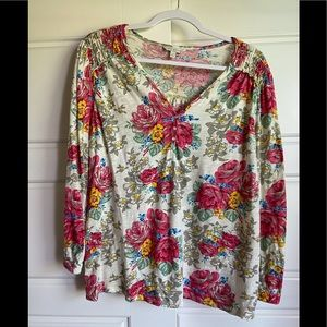 Colorful floral Henley 🌺